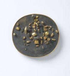 Hermann Jünger. Brooch: Untitled, 1977. Gold, silver, saphire, hematite.