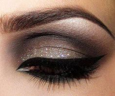 brown eye makeup with black liner