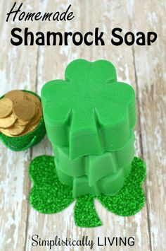 Things are becoming more and more green around our house. With St. Patrick's Day nearing, it only seemed right to make some Homemade Shamrock Soap! This year… Easy Arts And Crafts, St Patrick's Day Crafts, Easy Diy Crafts, Cute Crafts, Crafts For Kids, Simple Crafts, Simple Diy, Mason Jar Party, Coaster Crafts