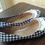 Houndstooth Mod Podge shoes. I am amazed at what crafters are doing with shoes and Mod Podge! Wow!