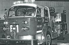 A former Denton Fire Engine, returned to Denton by Krum Fire Dept. It served at several of the Denton Fire Stations, and was originally Engine 1. Soon after its arrival, as a new Engine in Denton, it was involved in an accident at University and North Locust. It was returned to the factory, and rebuilt. A favorite truck!!! Love these old American LaFrance trucks! New Engine, Fire Engine, Fire Dept, Fire Department, Denton Texas, Water Rescue, Ford, Rescue Vehicles, Texas History