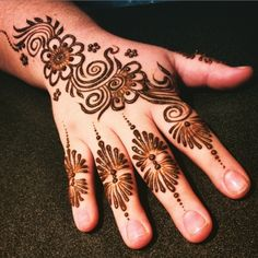 13 Best Mehndi Designs only for Modern Indians Mehandi Designs Images, Indian Mehndi Designs, Henna Designs Easy, Mehndi Art, Mehendi, Mahandi Design, Simple Henna, Cool Tattoos, Body Piercings