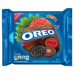 Oreo Chocolate Strawberry oz - Limited Edition Limited Edition Chocolate Strawberry Flavor Inspired by Chocolate Dipped Strawberries A delicious surprise in the middle oz Package Weird Oreo Flavors, Cookie Flavors, Sandwich Cookies, Oreo Cookies, Strawberry Oreos, Chocolate Strawberries, Covered Strawberries, Strawberry Shortcake, Cute Food