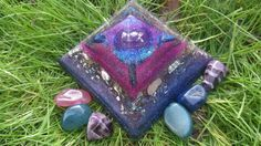 Glow in the Dark, Healing Orgonite Pyramid - by OrgoneJewelsUK on Etsy Led Light Box, Peter The Great, Psychic Development, Can Lights, Blue Lace Agate, Chakra Stones, Lightbox, Beautiful Bedrooms, Third Eye