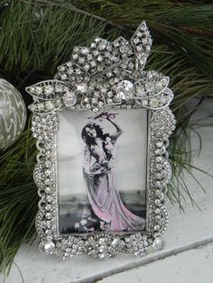 Vintage Jeweled Clear Deco Rhinestone Photo Picture Frame Sparkling OOAK Elegant Perfect for Weddings Jewelry Frames, Jewelry Tree, Old Jewelry, Silver Jewelry, Vintage Jewelry Crafts, Recycled Jewelry, Collage Picture Frames, Photo Picture Frames, Pink Christmas Tree