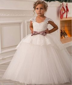 Popular Hot Sale First Communion Dresses for Girls Vintage Lace Flower Girl Dresses
