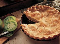 If you have green tomatoes and have never tried green tomato pie, now is the time to try out this recipe. I made this pie quite a few times last fall to use up green tomatoes. Green Tomato Pie, Green Tomato Recipes, Green Tomatoes, Vegetable Recipes, Tomato Season, Pastry Blender, Southern Recipes, Southern Food, Southern Style