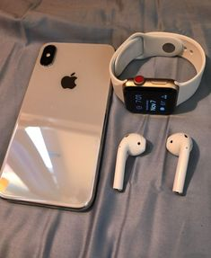 iPhone X & Apple Watch Series 3 LTE + Apple AirPod . Click the link to buy the same Apple watch band . Apple Mac Book, Airpods Apple, Iphone 7 Plus, Iphone 8, Iphone Cases, Iphone Watch, Iphone Charger, Apple Watch Series 3, Apple Watch 3