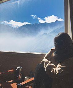 Profile Pictures Instagram, Instagram Pose, Best Photo Poses, Girl Photo Poses, Tumblr Wallpaper, Wallpaper Backgrounds, Foto Pose, Jolie Photo, Anime Art Girl