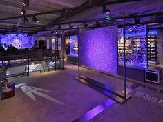 Adidas-Flagship-Store-Shanghai-mit-Video-Wall.jpg (1000×750)