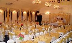 North London has enormous banqueting halls that serve to the needs of the people. It affords high standard of service management and fine quality of food.Most of the luxurious venues have an elegant look with hand painted ceilings, magnetic looking crystal chandeliers and warm interior color setting which gives a perfect frame of mind for your event.