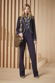659b72d550e5 See the complete Tory Burch Pre-Fall 2016 collection.
