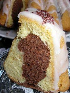babeczki Granola granola kitchens inc Polish Desserts, Polish Recipes, Cookie Desserts, Sweet Recipes, Cake Recipes, Kolaci I Torte, Lime Cake, Doughnut Cake, Bunt Cakes