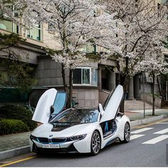 """Obtain great recommendations on """"fast car"""". They are actually offered for you on… – En Güncel Araba Resimleri Bmw I8, My Dream Car, Dream Cars, Bmw Autos, Acura Nsx, Best Luxury Cars, Luxe Life, Nissan Gt, Bmw Cars"""