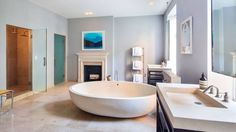 Sarah Jessica Parker's NYC bathroom (one of seven). I would live solely in that bath.