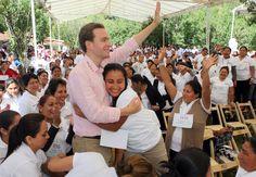 Gobernador de Chiapas, Manuel Velasco, fortalece el desarrollo integral de madres solteras.