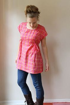 DIY tunic: Made by Rae. Good maternity fashion.. Need to make a couple since I gave out all my maternity clothing.