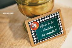 Chá bar: Rafa e Rafa | http://www.blogdocasamento.com.br/cha-de-panela-nova-estrutura/decoracao-cha-panela/cha-bar-rafa-e-rafa/
