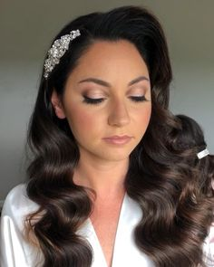 Halo inspired eyes for this bridal look. Hollywood waves by Beyoutiful Bride NJ - Glam NJ Bridal Makeup Bridal Makeup Natural Brunette, Bridal Makeup For Green Eyes, Dramatic Bridal Makeup, Bride Makeup Natural, Bridal Makeup For Blondes, Bridal Makeup Looks, Wedding Hair And Makeup, Hair Wedding, Wedding Beauty