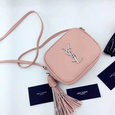 New Arrival!2016 Cheap YSL Out Sale with Free Shipping-Saint Laurent Monogram Medium Blogger Bag in Pink Leather