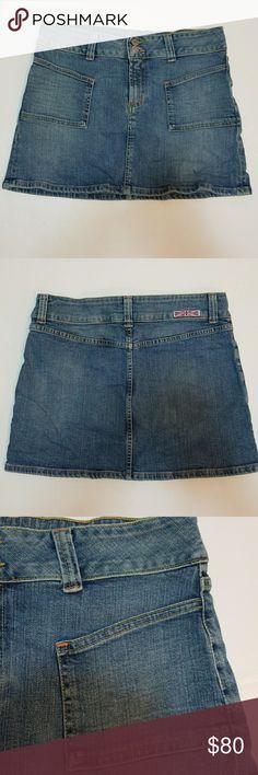 "Hudson jeans skirt size 32 Excellent condition  Measures waist 16"" length 14"" Hudson Jeans Skirts Mini"