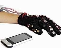 Un guante q hace posible a las personas sordas y ciegas 'sentir' el universo virtual (braile digital)