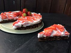 Opskrift på nutellakage med jordbær | ELLE - man skal bare lige droppe alt det latterlige proteinpulver og så tror jeg den svinger
