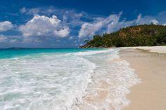 Anse Georgette (Praslin, Seychelles). + http://www.unmondeailleurs.net/tag/voyage-seychelles/