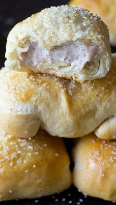 These Cinnamon Cream Cheese Pastry Puffs are our copycat version of McDonalds petite breakfast pastries. Made simply with Pillsbury biscuit dough. Just Desserts, Delicious Desserts, Dessert Recipes, Yummy Food, Pastry Recipes, Baking Recipes, Cream Cheese Pastry, Cream Cheese Biscuits, Cream Cheese Danish