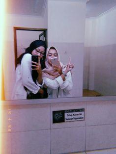 Hijab miror selfie