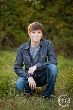 Photography poses teenagers kids 55 ideas for 2019 Senior Boy Poses, Teen Poses, Senior Pictures Boys, Senior Guys, Senior Portraits, Senior Photos, Guy Poses, Male Portraits, Boy Pictures