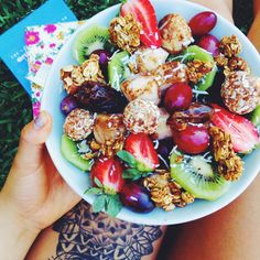 Find images and videos about food, yummy and healthy on We Heart It - the app to get lost in what you love. I Love Food, Good Food, Yummy Food, Healthy Snacks, Healthy Eating, Healthy Recipes, Clean Eating, Food Porn, Snacks Saludables