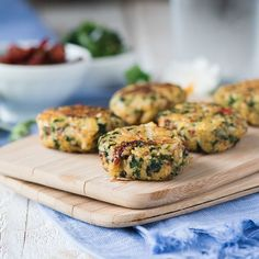 These Italian protein patties are the healthier sister of falafel and the perfect afternoon snack or addition to a bento box lunch. These 20 healthy quinoa are honestly mind-blowing. Healthy Rice Recipes, No Carb Recipes, Healthy Cooking, Baby Food Recipes, Beef Recipes, Healthy Snacks, Kale Recipes, Lasagna Recipes, Cod Recipes
