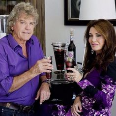 Successful real housewives Lisa Vanderpump, Vicki Gunvalson and Ramona Singer offer up the best money advice they ever got from their mothers.