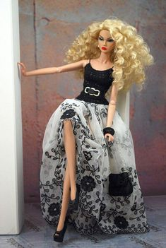 fashion skirt outfit clothes for Fashion Royalty Barbie dolls HABILISDOLLS fashion skirt outfit clothes for Fashion Royalty Barbie dolls Barbie Gowns, Barbie Dress, Barbie Clothes, Fashion Royalty Dolls, Fashion Dolls, Fashion Clothes, Barbie Mode, Jolie Lingerie, Poppy Parker