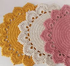 23 New Ideas Crochet Bag Pattern Granny Christmas Gifts Crochet Round, Crochet Home, Love Crochet, Crochet Gifts, Crochet Flowers, Crochet Baby, Doily Patterns, Crochet Patterns, Crochet Placemats