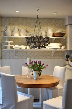 Restoration House's dining room - perfect for a small eat-in kitchen. Maybe that beach cottage I dream of?