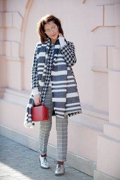 spring outfit ideas with mixing prints