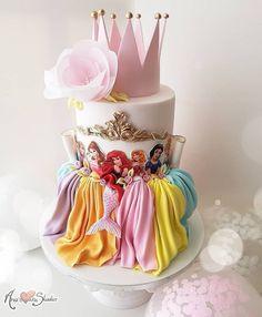 Princess cake, birthday cake, Disney, Disneyland - Motivtorten - Princess c Pretty Cakes, Cute Cakes, Beautiful Cakes, Amazing Cakes, Birthday Cake Girls, 4th Birthday, Disney Princess Birthday Cakes, Birthday Ideas, Mermaid Birthday