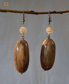 Earrings Banana leaf bead  MY HANDMADE YEWELRY https://it.pinterest.com/mteresacostanzo/my-handmade-jewelry/