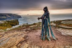 King Arthur sculpture on Tintagel Castle. Time Relativity, King Arthur's Castle, King Arthur Merlin, Sculpture Art, Sculptures, The Lady Of Shalott, Mists Of Avalon, Green Knight, First Knight