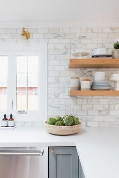 8 Valuable Clever Tips: Kitchen Remodel Grey Cabinets farmhouse kitchen remodel cupboards.Kitchen Remodel Cherry Paint Colors farmhouse kitchen remodel tips. Kitchen Ikea, New Kitchen, Kitchen White, Smart Kitchen, Kitchen Wood, White Kitchens, Kitchen Sink, 1970s Kitchen, Cheap Kitchen
