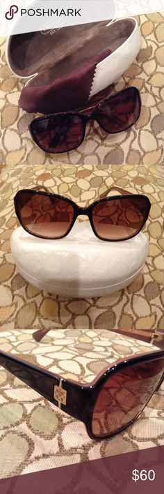 💕COACH Sunglasses. EUC! 💯 Authentic!💕 Gently used and in great condition! No major damage or scratches. Comes with cleaning cloth and case. Thanks for looking! Coach Accessories Sunglasses