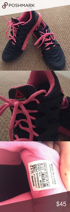 Navy blue   pink reebok sneakers‼️ 9fa6bf286