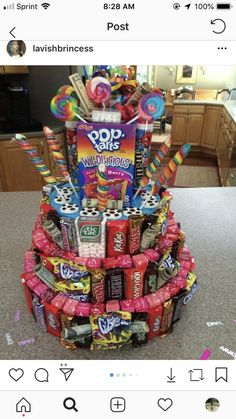 How to make a candy cake for birthdays - # for . - How to make a candy cake for birthdays - Candy Birthday Cakes, Cute Birthday Gift, Candy Cakes, Friend Birthday Gifts, Diy Birthday, Birthday Parties, Candy Bouquet Birthday, Birthday Ideas, Candy Gift Baskets