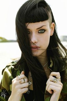 Undercut Hairstyles for Women Long Black Hair Undercut Long Hair, Undercut Hairstyles, Cool Hairstyles, Side Undercut, Straight Hairstyles, Crazy Hair, Love Hair, Hair Dos, New Hair