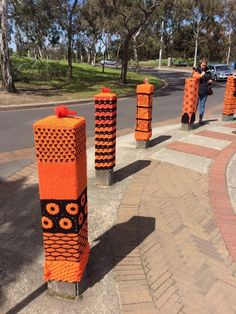 Yarn Bombing at entrance to Melbourne Zoo, Victoria, Australia. Installed 02/09/2016 by the F/b Yard Corner group. (3)