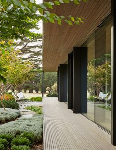 Set amidst Cypress trees on the edge of Australia& Mornington Peninsula golf course – on Victoria& southern tip – the Links Courtyard House is the latest single-storey holiday home by Inarc Architects. Set within an aspect that combines the links gol. Contemporary Architecture, Architecture Details, Landscape Architecture, Interior Architecture, Landscape Design, Japanese Architecture, Minimal Architecture, Sustainable Architecture, Architecture Plan