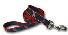 We love this baseball themed gear for the four-legged fan in your life! MLB Reflective Dog Leash by SportyK9 www.ukuscadoggie.com