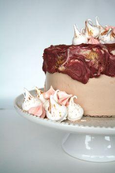 Burgundy, gold and meringue cake